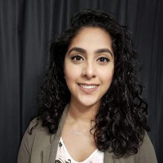 Sarah Mahmood headshot