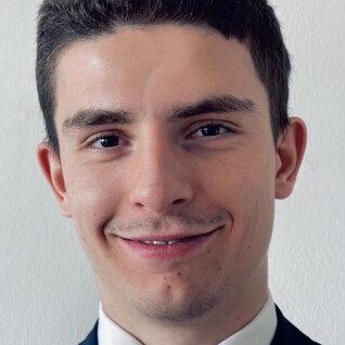 Kirill Zvenyatskovskiy headshot