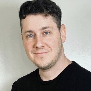 Tyler Byron headshot