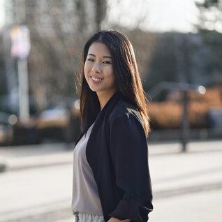 Esther Chee headshot