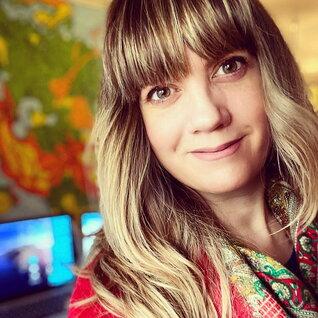 Julie Matson headshot