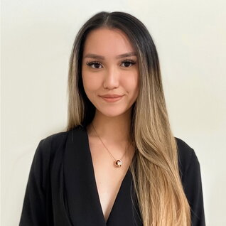 Vanessa Tan headshot