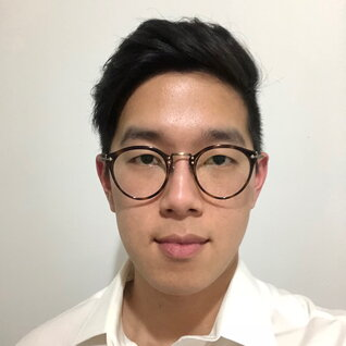 Alex Zhao headshot