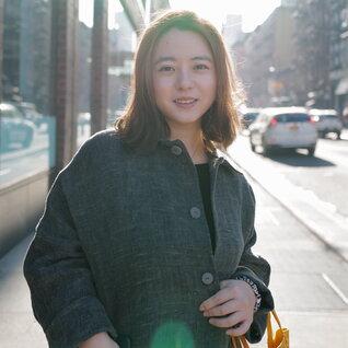 Lingyu Hu headshot