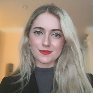 Francesca Harrison headshot