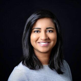 Ashna Raman headshot