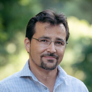 Antonio Barbera headshot