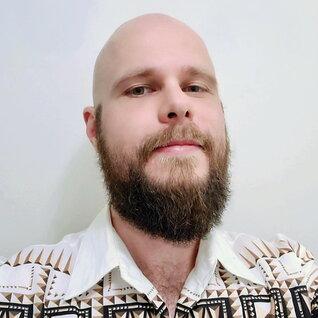 Dorian Piotrowsky headshot