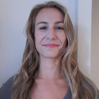 Stephanie Lipton headshot
