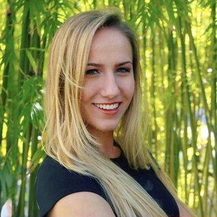 Daniela Grosz headshot