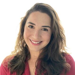 Letícia Thaís Moraes headshot