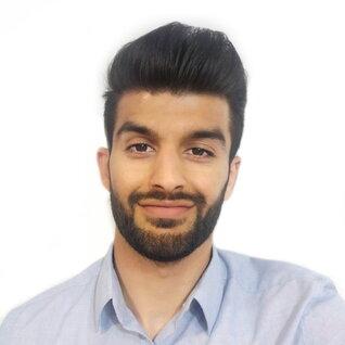 Mesbah Omid headshot