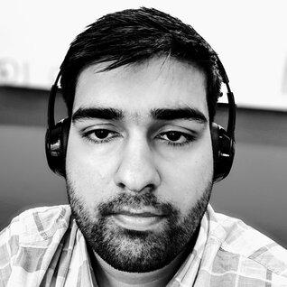 Isfandyar Virani headshot