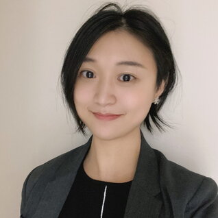 Angie Xu headshot