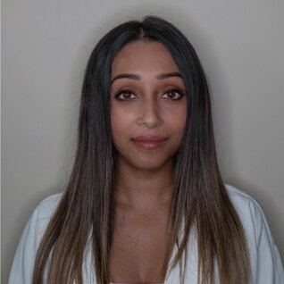 Elizabeth Desouza headshot