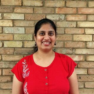 Madhura Londhe headshot
