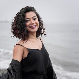 Jomaira Lopes de Souza headshot