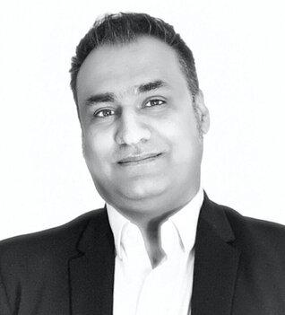 Jahanshah Ashkani headshot